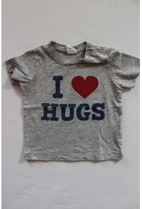 "Tee-shirt gris chiné, ""I love hugs"" H&M"