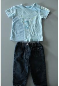 """Tee-shirt bleu """"2"""" et jean"""
